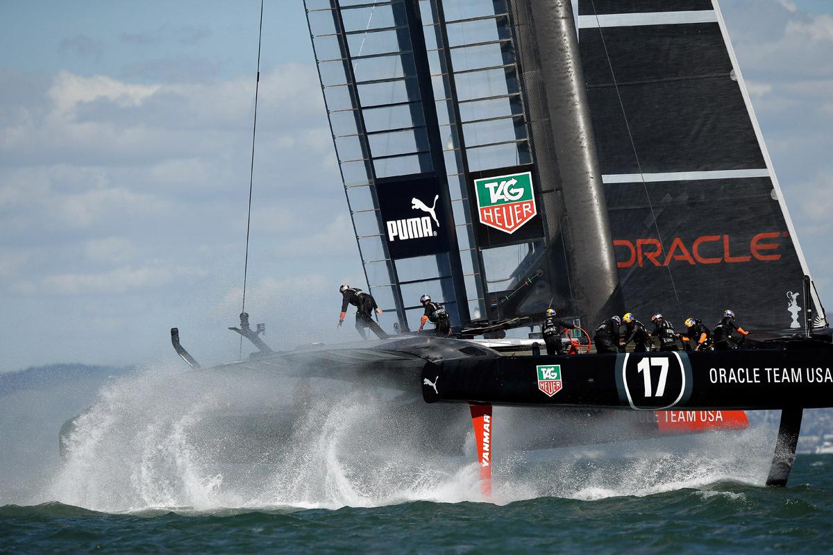 grinder yacht racing