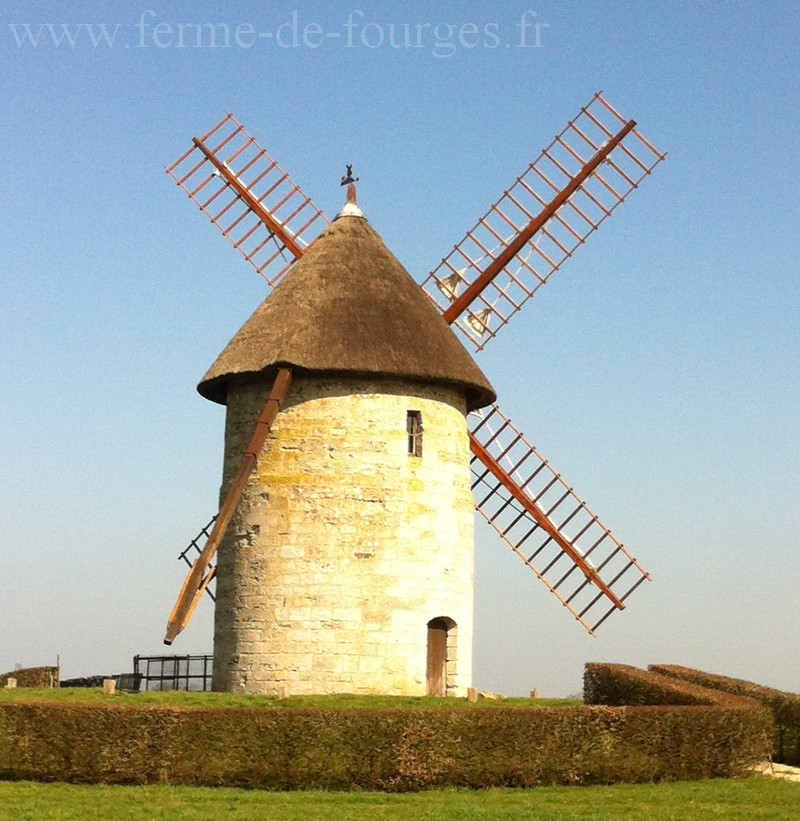 moulin a grain pierre