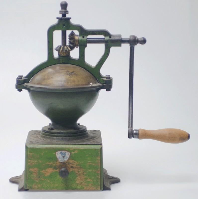moulin à café ancien
