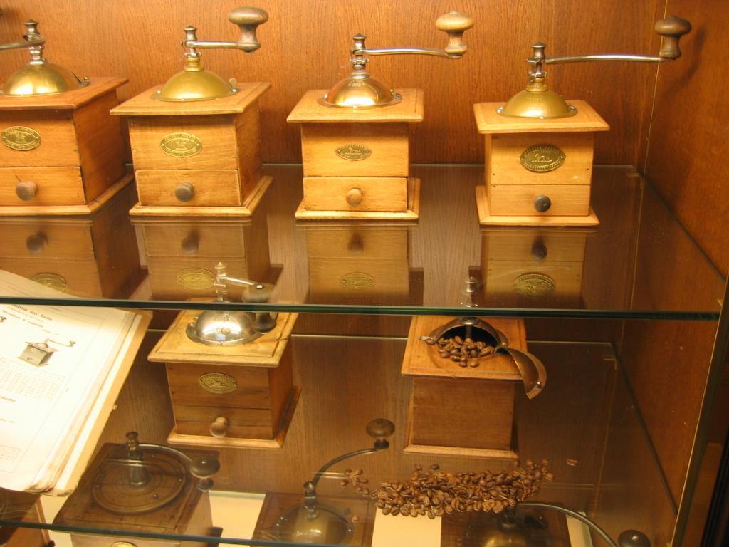 moulin à café ancien bois
