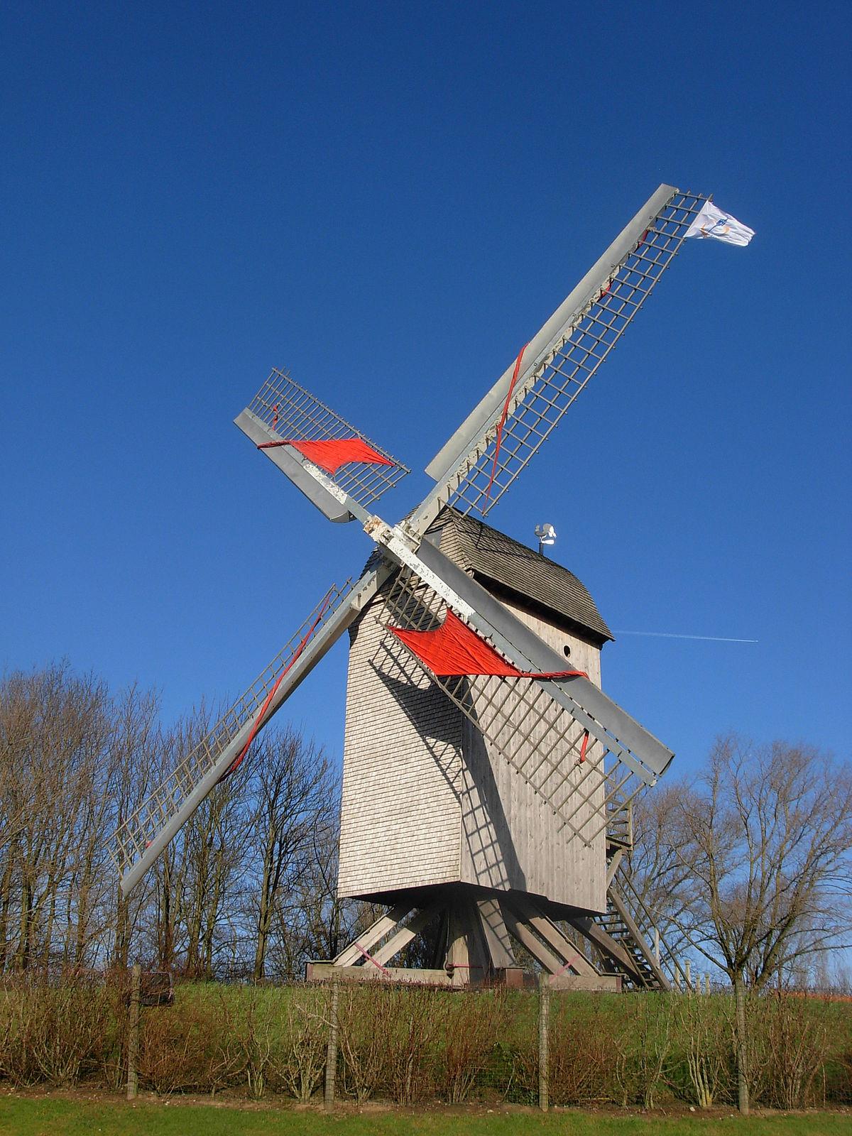 moulin en bois fabriquer